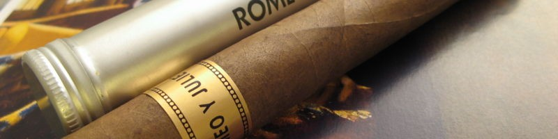 800px-Romeo_Y_Julieta_Churchill_Cigars_Tubo[1]